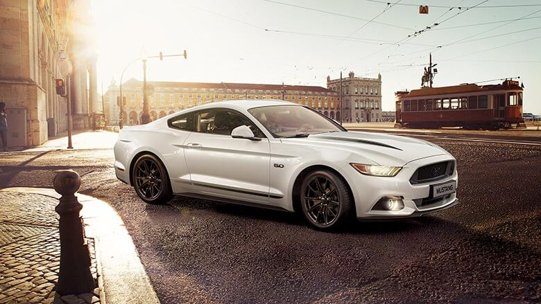 Ford Mustang completo