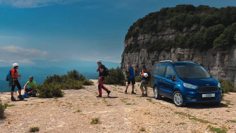 Ford Tourneo Courier completo